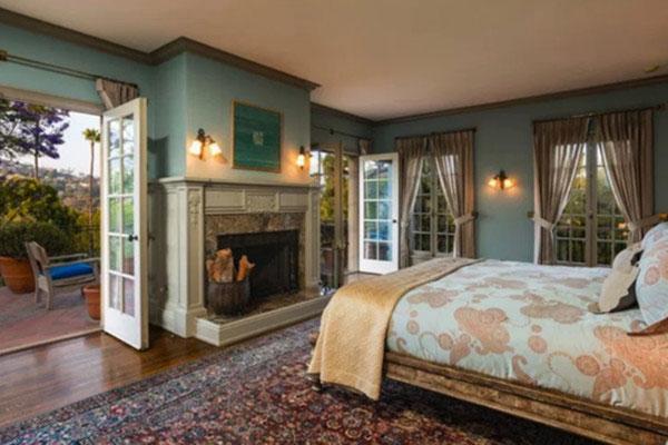 اتاق خواب انجلینا