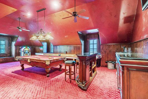 اتاق بازی در کنار سینمای خانگی